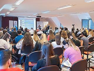 Ismét több száz diák kapott hasznos útravalót a pénzügyek világába