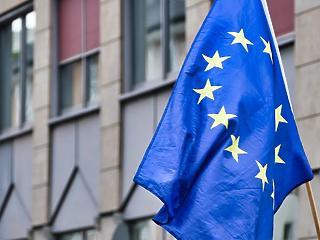 Az EU jóváhagyta a járvánnyal összefüggő sürgős szükségletek fedezésére irányuló kiegészítő támogatást