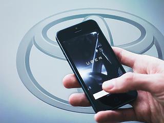 Óriás megállapodás született: együtt fejleszt a Toyota és az Uber
