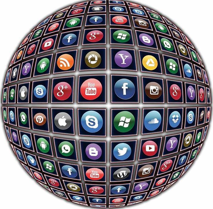 Közösségi média (Pixabay)