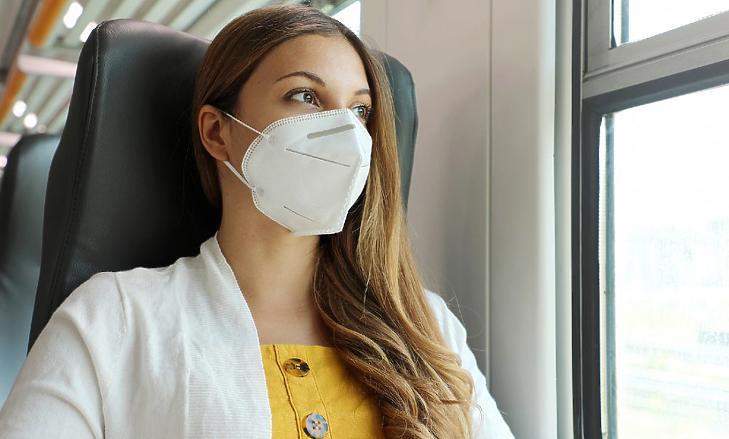Ilyen maszkot kell majd viselnünk a boltokban a lapinformációk szerint