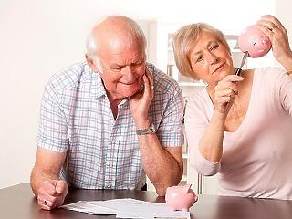 Így csúsznak le a nyugdíjak a következő évtizedekben