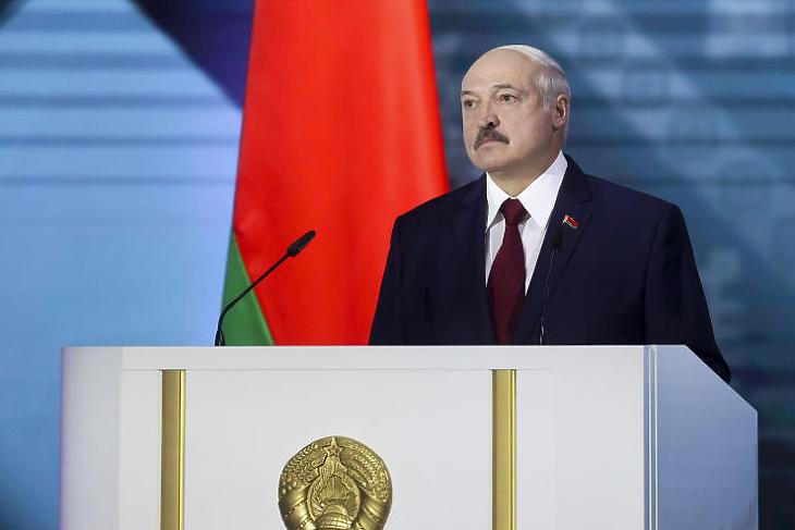 Aljakszandr Lukasenka fehérorosz elnök az ország helyzetét értékelő beszédet tart Minszkben 2020. augusztus 4-én, öt nappal az elnökválasztás előtt. (Fotó: MTI/AP/BelTa pool/Andrej Pokumeiko)