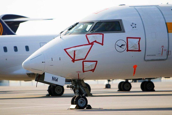 Lufthansa-gép parkol (Pixabay.com)