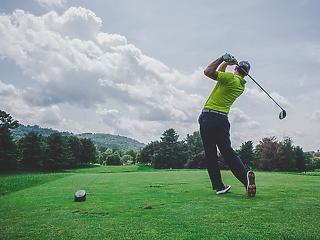 Koronavírus dopadol aj na golf, PGA a LPGA ruší turnaje