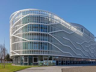 Zavartalan és sikeres fenntartó- és modellváltás a kecskeméti Neumann János Egyetemen
