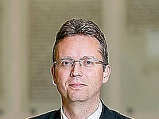 Kásler megszabadult egyik miniszteri biztosától
