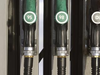 Újabb rekordot dönt a benzinár