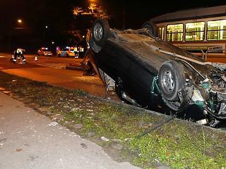 Bajban a magyar autóvezetők - te tudod, hogy mit kéne tenned ebben a helyzetben?