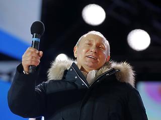 Putyin úgy mondott békülékeny beszédet, hogy közben új fegyvereket jelentett be