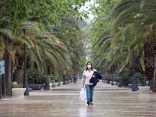 Alapjövedelmet kapnak a spanyolok és beindulhat a turizmus