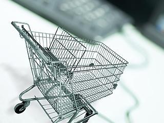 A vásárlót védi, a boltot szívatja - mire volt jó a webshop-törvény?