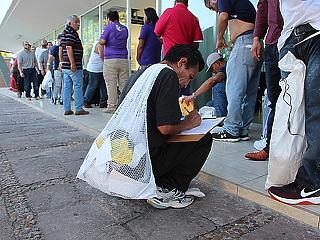 Vészjósló vasárnap: sötét napra ébredhetnek holnap az illegális bevándorlók