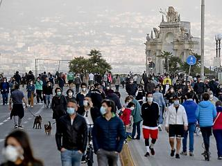 Koronavírus: két hónap után szabadulnak otthonaikból az olaszok