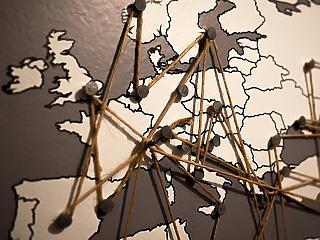 Megrendült európai stabilitás – szétmálló múlt századi pártok