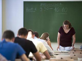 Több ezren szorulhatnak ki a felsőoktatásból az új nyelvvizsga-szabály miatt