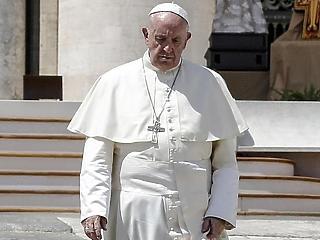 Egy szeptemberi délután a pápa Magyarországra látogat