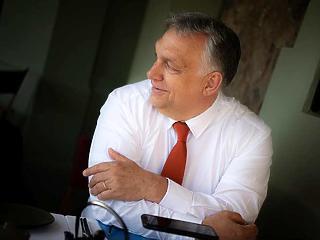 Orbán Viktor az oltásról beszélt, majd aludt egy gyorsat