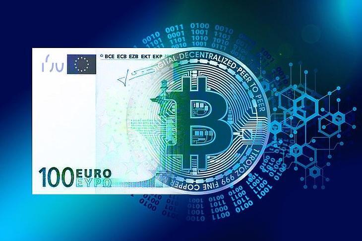 Euró és bitcoin (Pixabay.com)