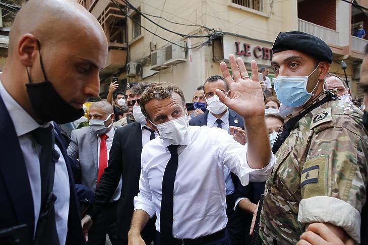 Macron francia elnök tavaly augusztusban kereste fel a libanoni fővárost (fotó: MTI/EPA)