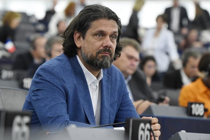 Megfosztották jogaitól: Deutsch Tamás az EP-ben. (Fotó: MTI/Koszticsák Szilárd)