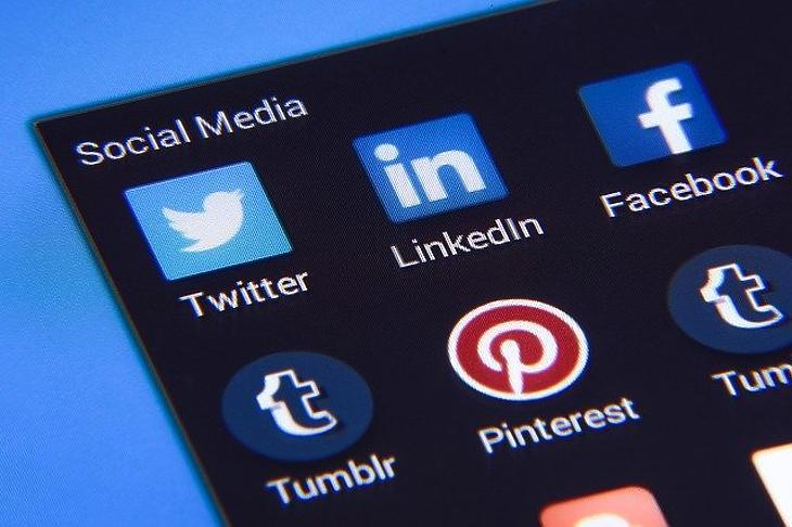 Közösségimédia-alkalmazások (Pixabay)