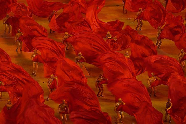 A Kínai Kommunista Párt megalapítása 100. évfordulójának alkalmából rendezett ünnepi előadás részlete Pekingben 2021. június 28-án. (Fotó: MTI/AP)