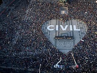 Nem egyeztethető össze az uniós joggal a civiltörvény