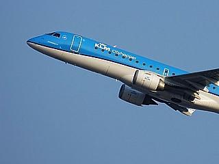 351 felett az euró, az oltottak küldik magasabbra a légitársaságokat