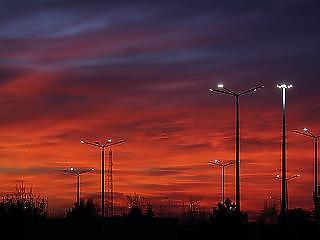Új céggel tarolnak az önkormányzatoknál az Elios-ügyből ismert villanyszerelők