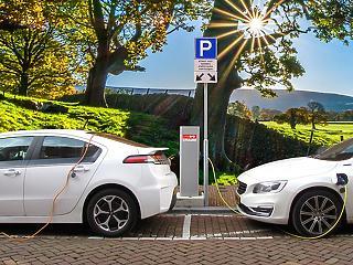 Az elektromos autók téli és nyári abroncsai