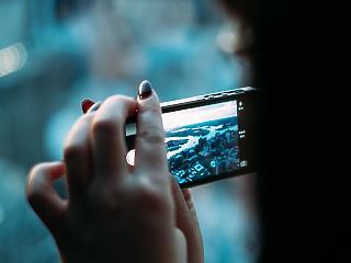 Óriási változást hozott a roaming eltörlése – te is máshogy mobilozol külföldön?
