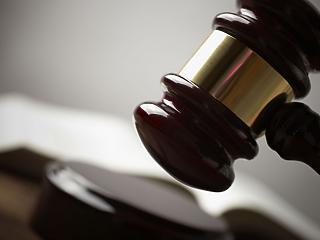 Most érkezett: elhalasztotta a kormány a közigazgatási bíróságok felállítását
