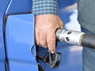 Augusztus 20. újabb üzemanyagár-csökkenést is hoz