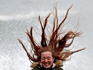 A nap képe: ilyen az, amikor egy nőnek égnek áll a haja