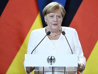 Nem közeledett egymáshoz Orbán Viktor és Angela Merkel