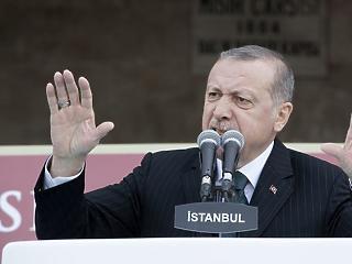 Erdogan fejére omlik a rozoga gazdaság – előrehozott választások is jöhetnek