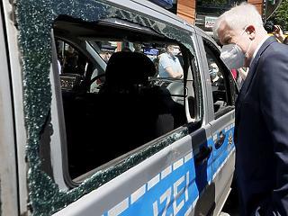 Merkel is elszörnyedt: áll a balhé Németországban a stuttgarti erőszak miatt