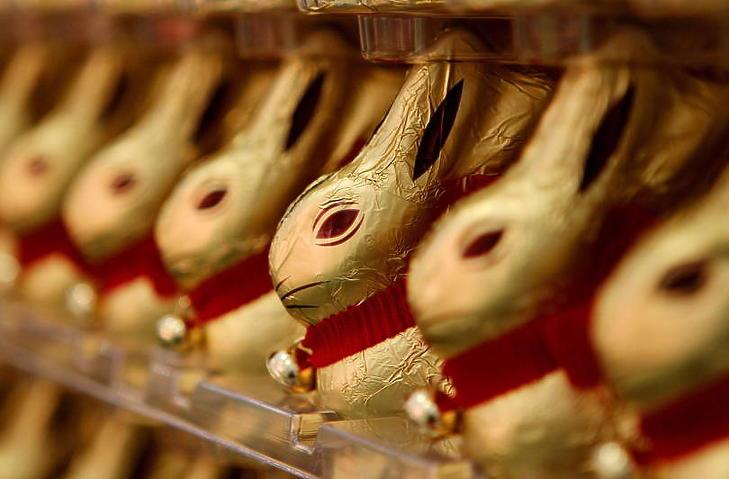 A csokinyulak idén jobbára a polcokon maradnak. (Fotó: MTI/EPA/Oliver Berg)