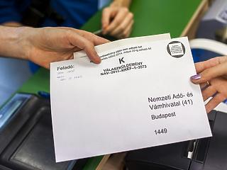 Kezdenek leszokni a papíralapú adóbevallásról a magyarok