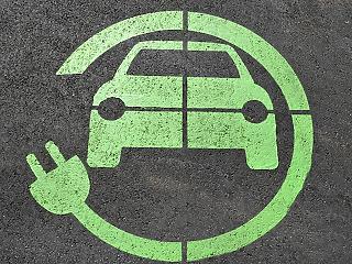 Most te is kaphatsz 1,5 millió forintot elektromos autóra