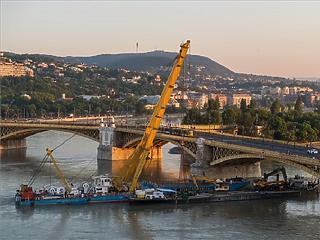 Továbbra is sok dél-koreai turista jön Budapestre, de hajózni már nem akarnak