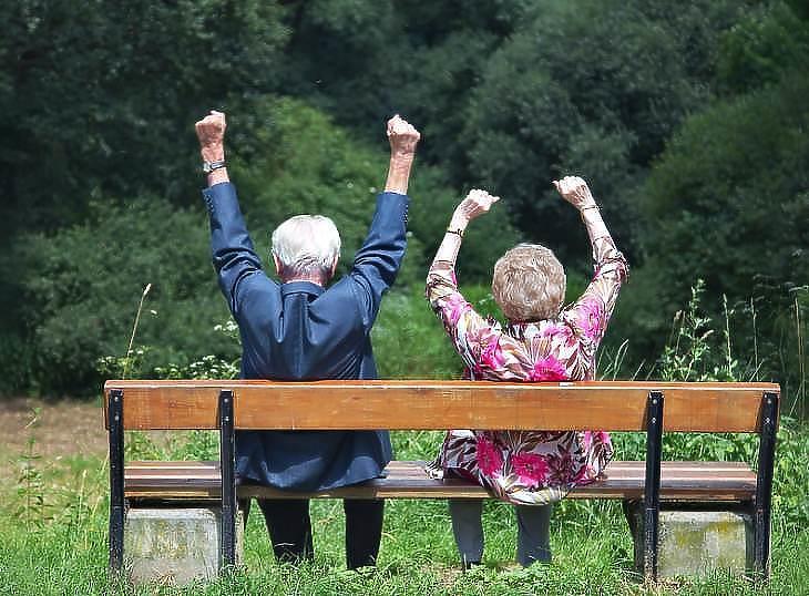 Örülhetnek a nyugdíjasok. Fotó: pixabay