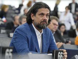 Már hivatalos: jogfosztottá vált Deutsch Tamás a Néppártban