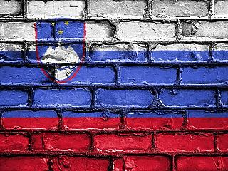 Éjféltől kijárási tilalom lép életbe Szlovéniában