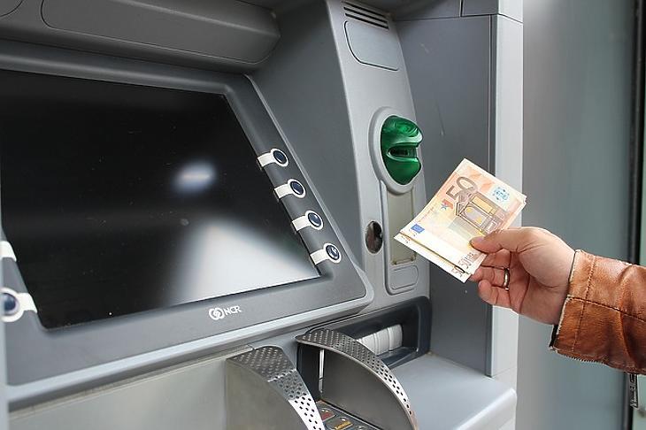 Pénzcsinálók - Hódít a bitcoin: világtrend vagy pénzmosás?