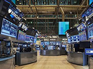 Gátat szabnának az extrém kilengéseknek a Wall Streeten