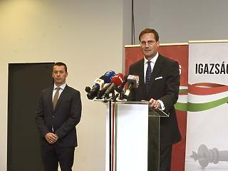 Szétesik a Jobbik?