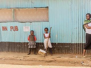 Afrikai nyomornegyedben rendezik meg a szegények Davosát