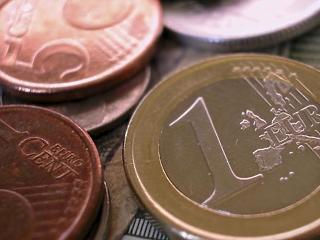 Két százalékkal nőtt az euróövezeti GDP a második negyedévben